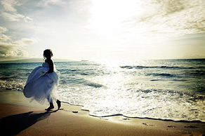 An example of our wedding photography, Raquel on the beach